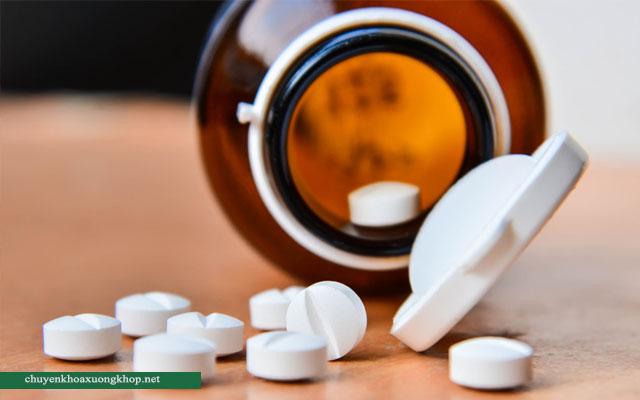 Thuốc điều trị thoái hóa khớp ở người cao tuổi