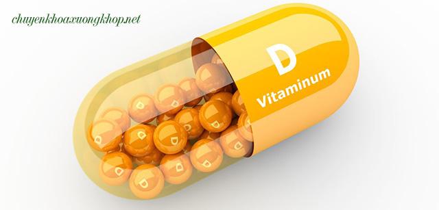 Điều trị loãng xương sau mãn kinh bằng bổ sung vitamin D