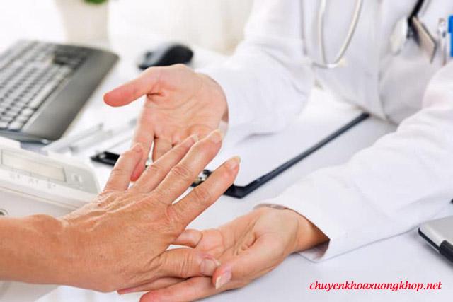 Nguyên nhân gây đau khớp ngón tay cái