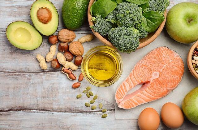 Bị thoái hóa khớp gối nên và không nên ăn gì ?