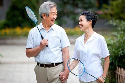 Điều trị bệnh loãng xương ở người cao tuổi