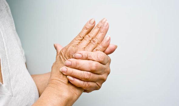 Tuổi tác có thể ảnh hưởng xấu đến sức khỏe xương khớp