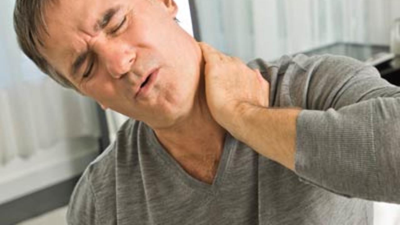 Đau mỏi vai gáy ảnh hưởng đến các hoạt động và công việc hằng ngày