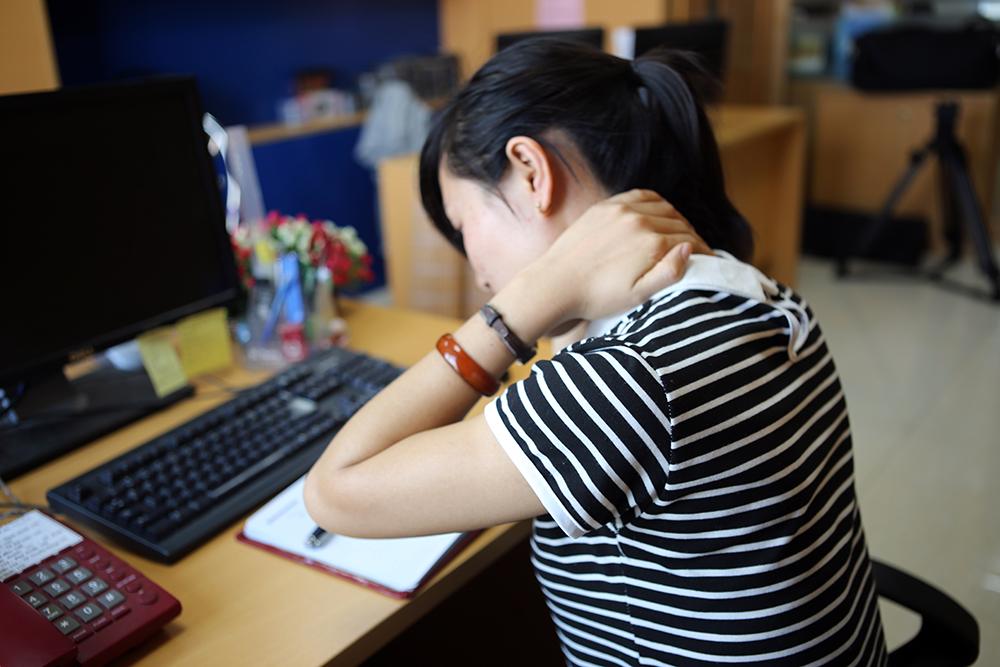Dấu hiệu bệnh đau vai gáy dễ nhận biết
