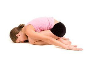 nhung-bai-tap-yoga-cho-nguoi-bi-thoai-hoa-dot-song-co6