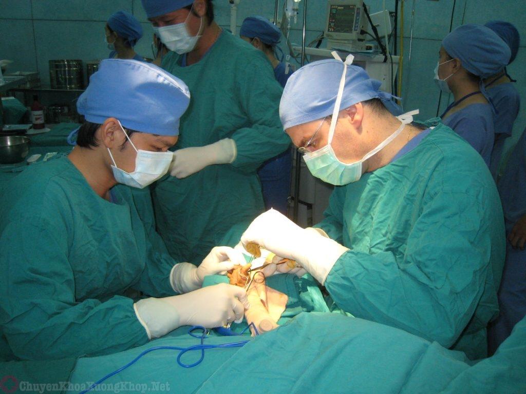Điều trị thoát vị đĩa đệm tại bệnh viện Việt Đức
