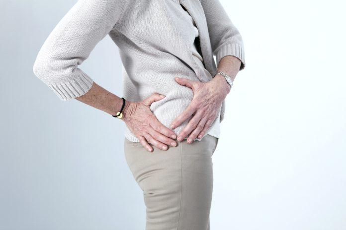 Cứng khớp háng ở bệnh nhân viêm khớp háng