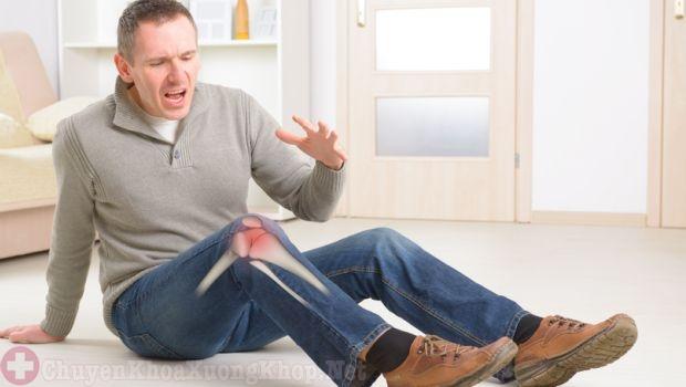 Khớp gối bị đau nhức, không thể di chuyển được