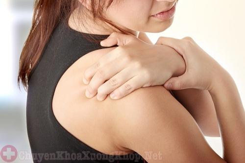 Thoái hóa khớp vai có thể gây bại liệt tay nguy hiểm