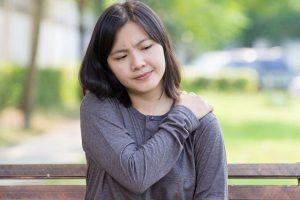 Phương pháp điều trị viêm đau buốt khớp vai tốt và an toàn