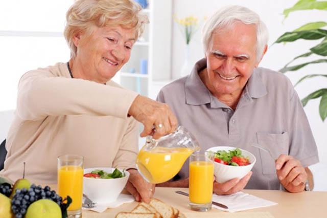 Chế độ dinh dưỡng hỗ trợ điều trị gai đôi cột sống