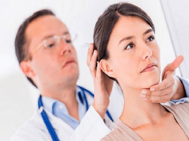 Hỗ trợ điều trị thoát vị đĩa đệm cột sống cổ