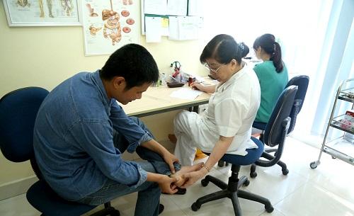Cảnh báo bệnh cơ xương khớp ngày càng trẻ ở nước ta