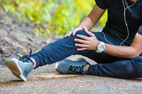 Mắc bệnh thoái hóa khớp gối có nên tập yoga hay không?