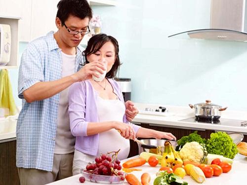 Mắc bệnh viêm khớp dạng thấp có nên mang thai không?
