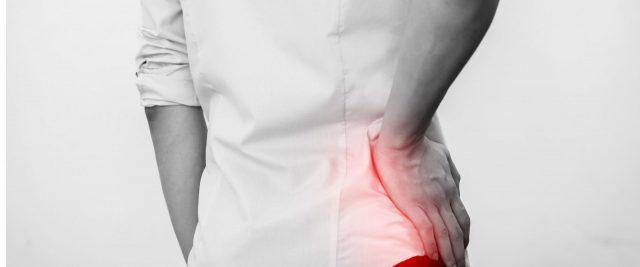 Thoái hóa khớp, các vấn đề di truyền, một số thương tổn khác,... đều có thể dẫn đến viêm khớp háng