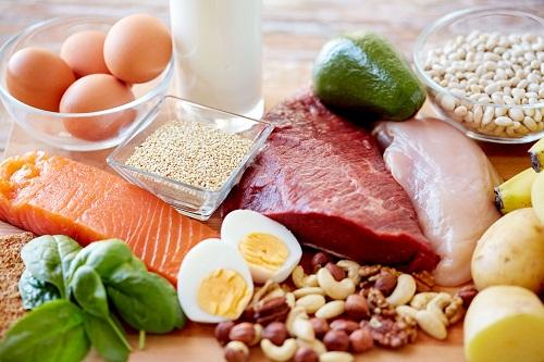 Cần chú trọng chế độ dinh dưỡng cho người bệnh viêm khớp háng
