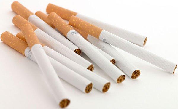 Nên bỏ thuốc lá để tránh những ảnh hưởng xấu cho sức khỏe xương khớp và ngăn ngừa những căn bệnh khác