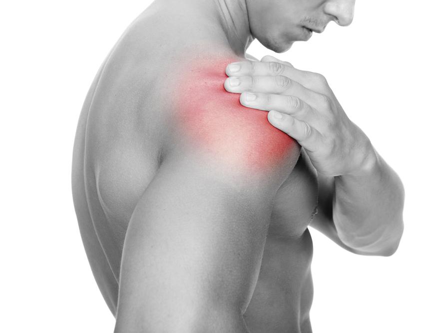 Đau tại chỗ - đau quanh khớp vai là triệu chứng điển hình của bệnh đau khớp vai