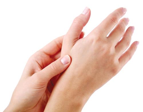 Viêm khớp dạng thấp gây cứng khớp