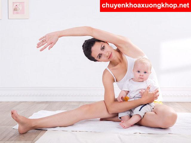 Tập thể thao giúp giảm đau nhức đầu gối sau khi sinh