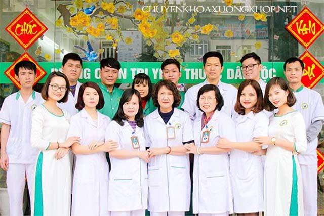 Phòng khám Đông Y chữa xương khớp của Trung tâm Nghiên cứu và Ứng dụng Thuốc dân tộc có trình độ tay nghề cao