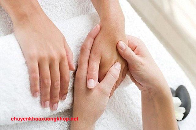 Triệu chứng u bao hoạt dịch khớp cổ tay