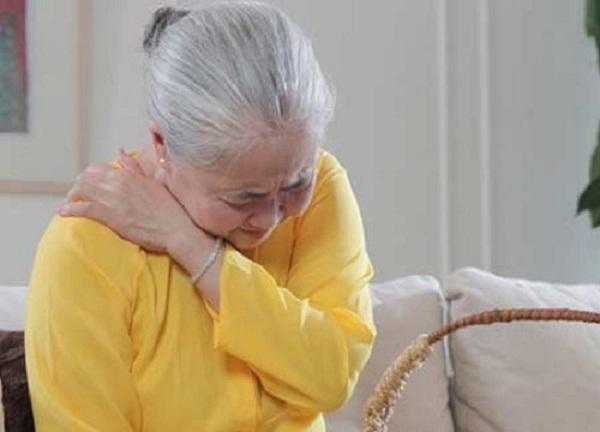 Triệu chứng viêm đau khớp gây đau đớn
