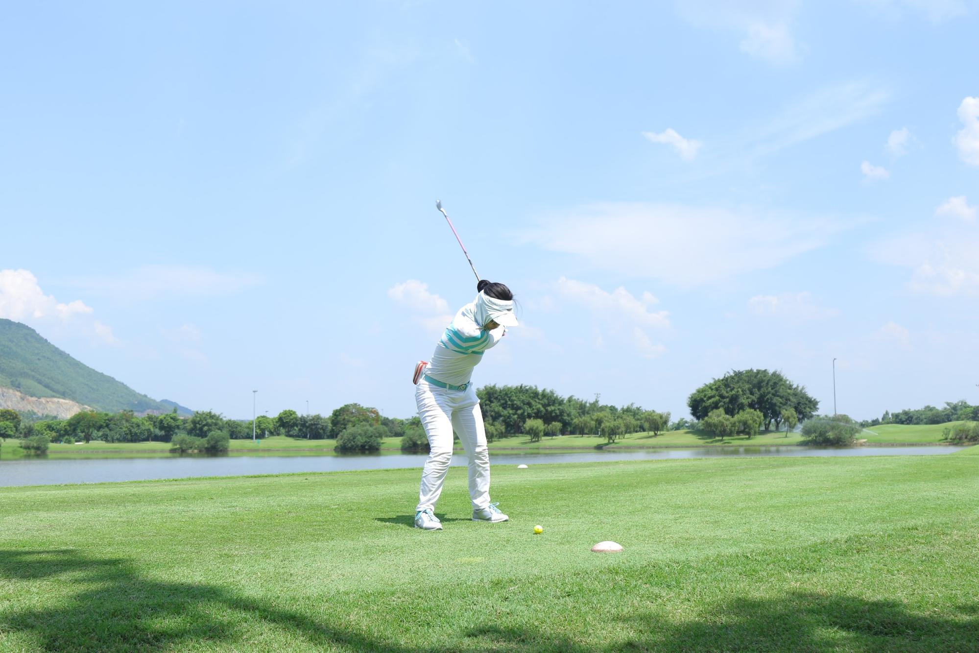 Cách chữa chấn thương khi chơi golf