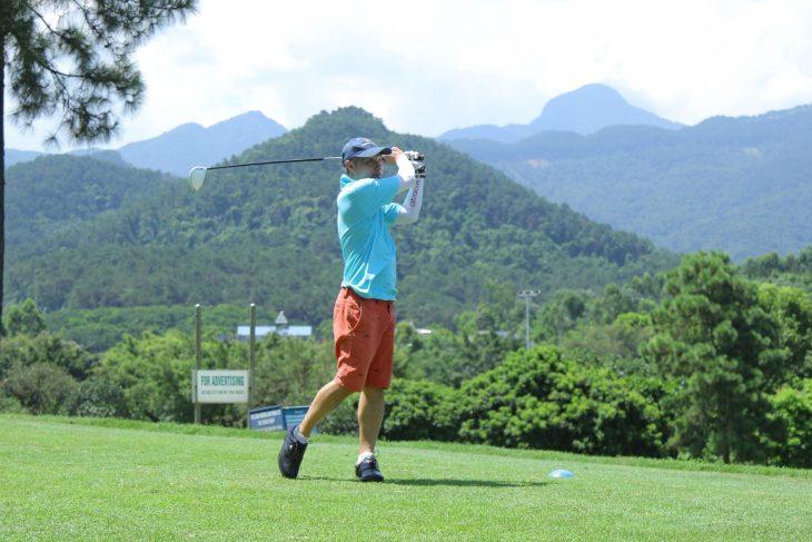 Người chơi golf thường bị chấn thương ở bàn tay, ngón tay