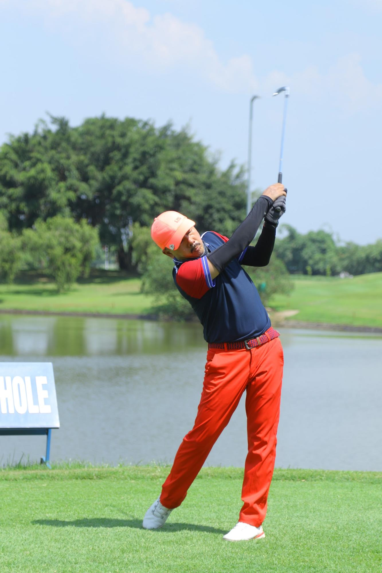 dấu hiệu thoái hóa khớp ở người chơi golf
